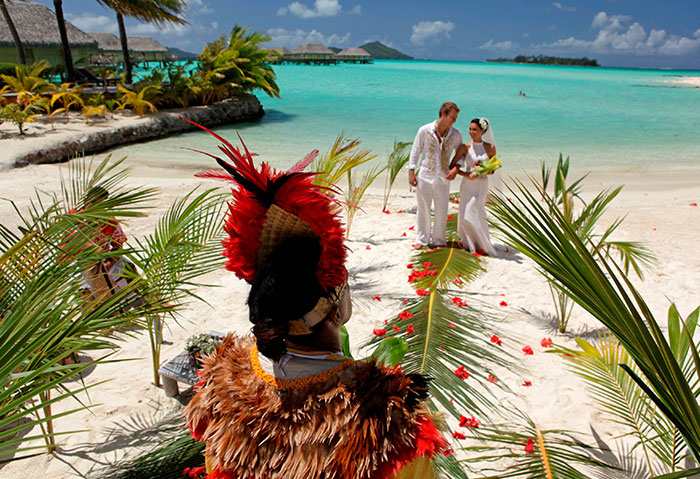 tahiti-destination-wedding-tropical