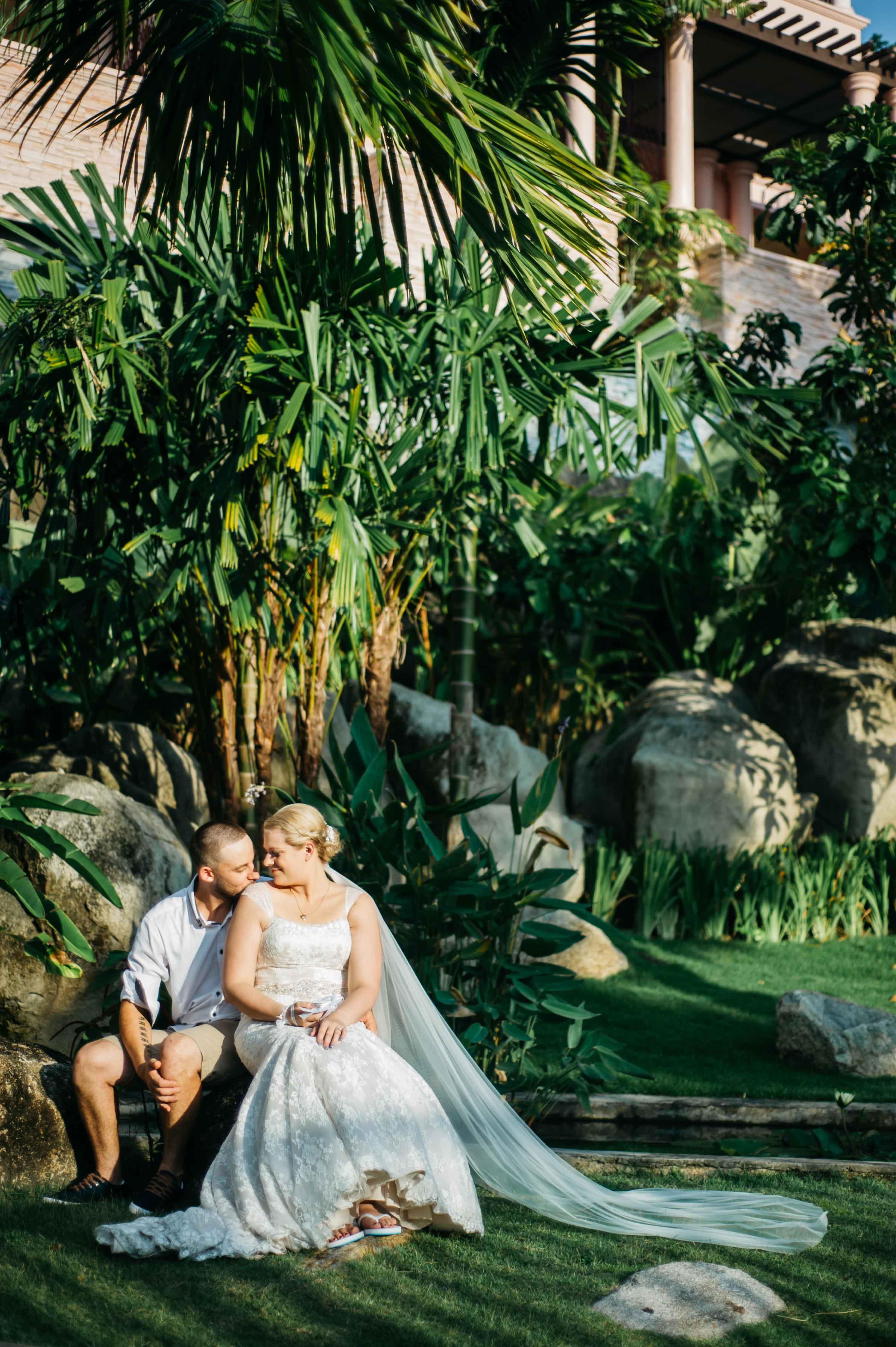Centara-Grand-Beach-Resort-Kahlia-Luke-Wedding-09