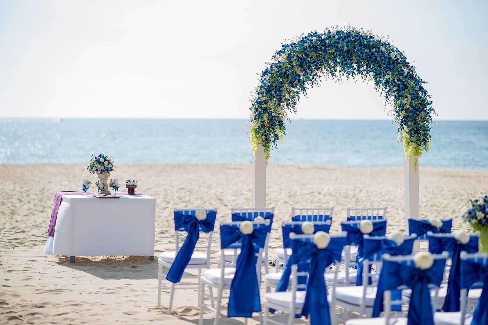 Centara-Grand-Beach-Resort-Kahlia-Luke-Wedding-14