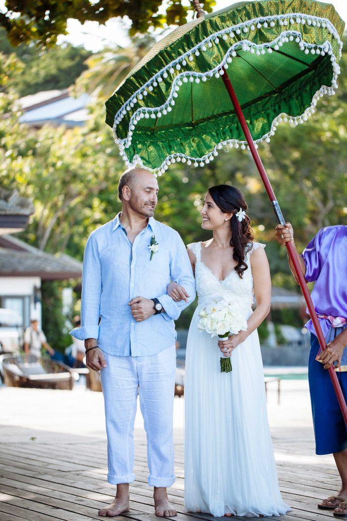 destination-wedding-hairstyle-halfup