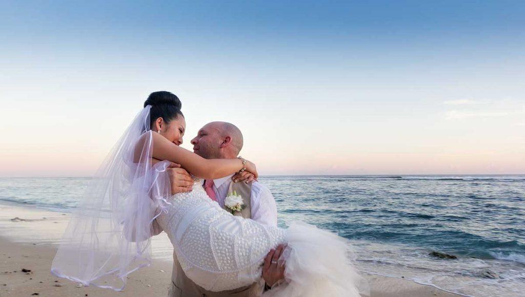 destination-wedding-hairstyle-bun