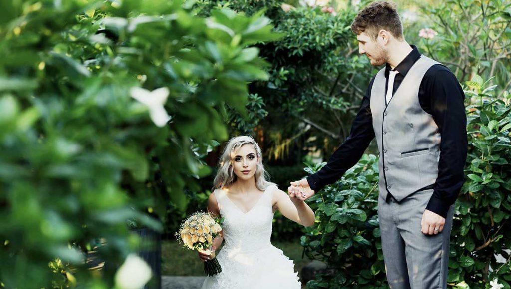 destination-wedding-hairstyles-oneside