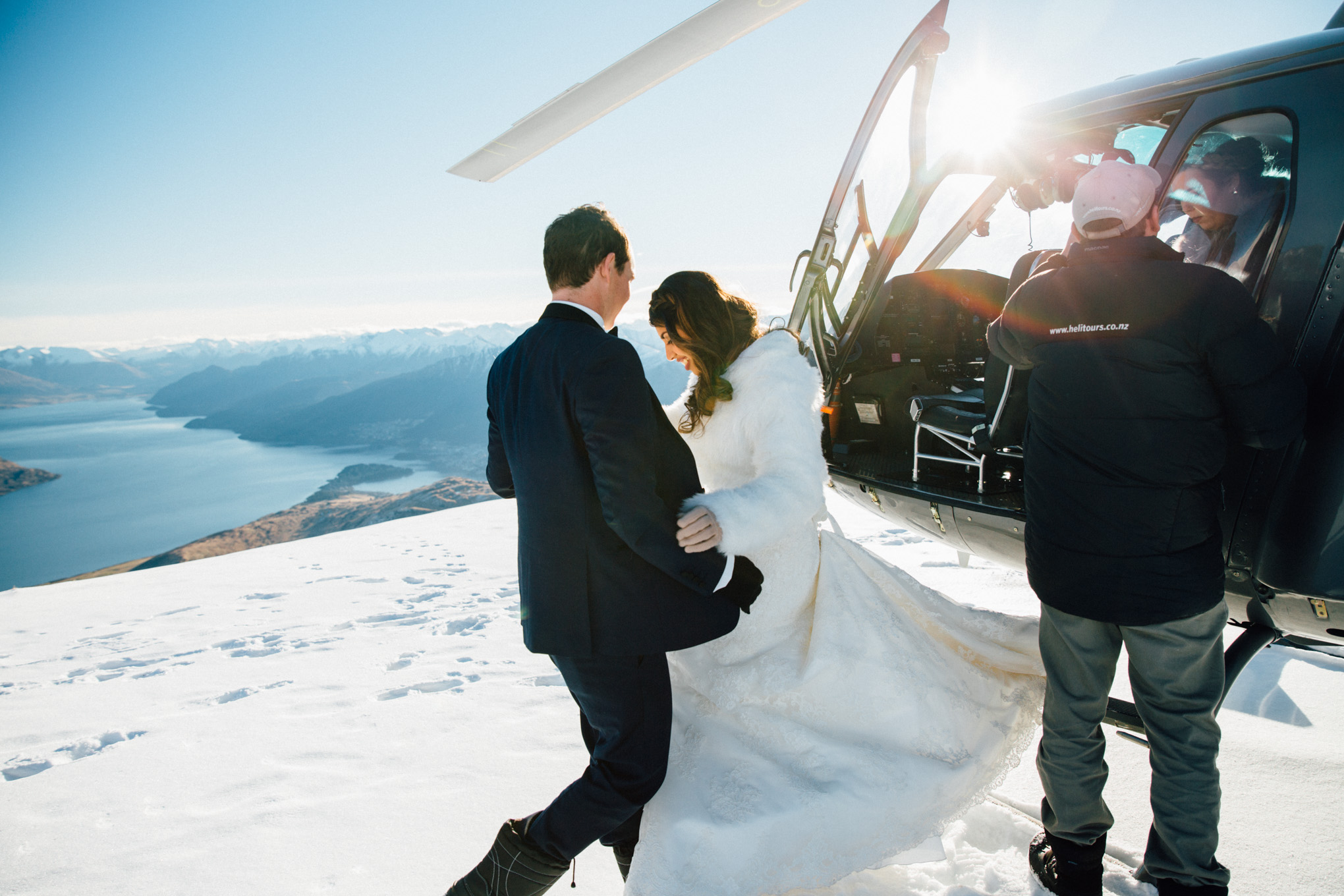 bride and groom queenstown destination wedding